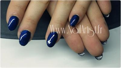 Ongles complets bleu nuit et pailletté louboutin